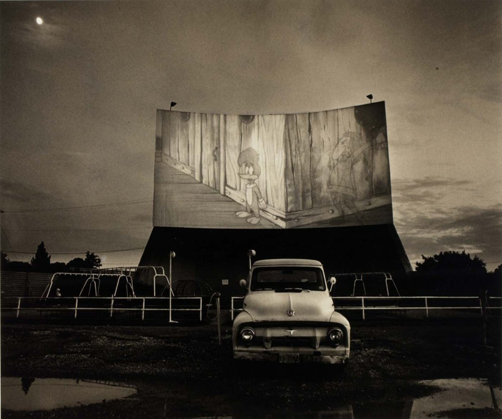 Vintage_theater_1949_Drive-In_USA_Fitch_Steve