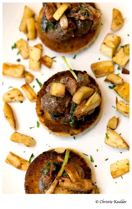 Devilled kidney's on toast with omajova mushrooms